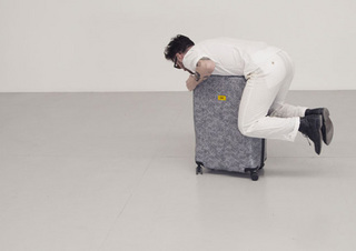 Crash-Baggage3.jpg