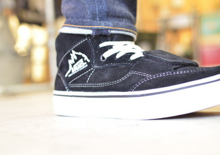 VANS-MT.EDITION-BLACK3.jpg